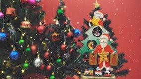 问候季节概念 圣诞老人展示50天耕种Xmas与 免版税库存图片