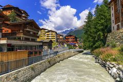 问题Vispa河在策马特,瑞士 免版税库存照片