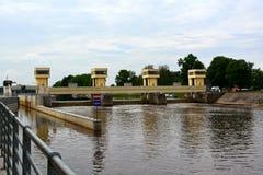 水闸在Hluboka nad Vltavou市 免版税库存图片