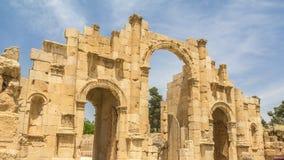 主闸Hadrian ` s曲拱在杰拉什在约旦 免版税库存照片