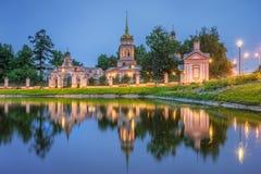 阁下的十字架的兴奋的寺庙在Altufevo M 库存图片