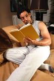 阅读书 免版税库存照片