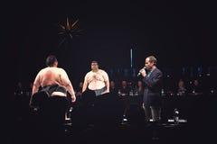 阎罗王和Ramy在相扑寿司搏斗的展示在WaMu剧院 免版税库存图片