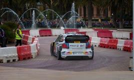 队大众波罗R的WRC汽车在萨洛角,西班牙 库存图片
