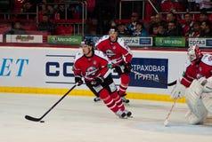 队Donbass (顿涅茨克)的冰球球员 免版税库存照片