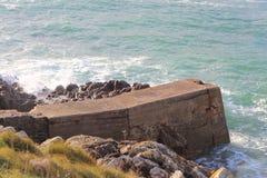 防堤在Pors Tarz港口 库存照片