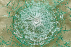 防弹玻璃,在与子弹踪影的射击,测试后 图库摄影