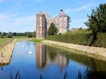 防御克罗伊,与护城河, Aarle-Rixtel, Laarbeek, Netherland的豪宅 免版税库存图片
