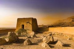 防御堡垒在沙漠 Dhayah Foryt -古迹 哈伊马角,阿拉伯联合酋长国,6月 2018年 库存图片