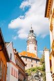 防御塔和老大厦在捷克克鲁姆洛夫,捷克语 库存图片