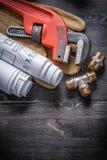 防护管扳手黄铜配管的配件 图库摄影