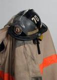 防护衣物的消防队员 图库摄影