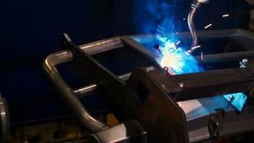 防撞器的自动化的焊接 影视素材