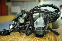 防毒面具和人工呼吸机 库存图片