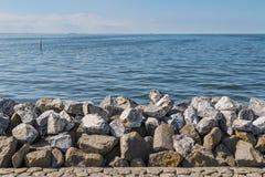 防波堤在大玄武岩ro做的荷兰 库存照片