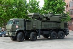 防空火箭枪复合体壳在游行前被松开 免版税库存图片