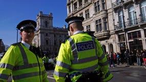 防暴警察在伦敦,英国 库存照片
