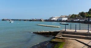 阳光和温暖的天气Swanage多西特在夏天沿岸航行 免版税库存图片