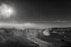 阳光在Strokkur Geysir 冰岛 晒裂 库存图片