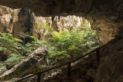 阳光通过一个洞孔在泰国 库存照片