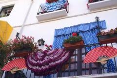 阳台在老镇太阳海岸的安达卢西亚,西班牙马尔韦利亚 库存照片