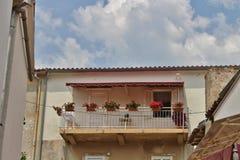 阳台在Krk镇在Krk海岛上的  库存照片