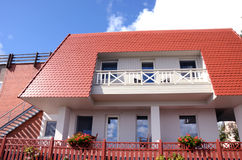 阳台开花家庭专用住宅视窗 免版税库存图片