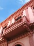 阳台桃红色墙壁 免版税库存图片