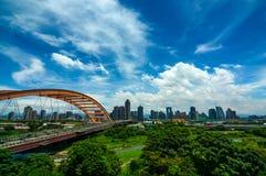 洪阳桥梁和高速公路在入口对台中市,台湾 免版税库存照片