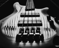 阴影吉他 免版税库存图片