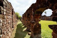 阴险的人任务废墟在特立尼达巴拉圭 免版税库存图片