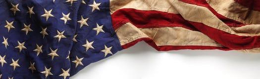 阵亡将士纪念日或退伍军人` s天背景的葡萄酒美国国旗 库存图片