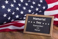 阵亡将士纪念日记住并且尊敬Signm 免版税库存图片
