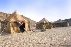 阵营在撒哈拉大沙漠 库存图片