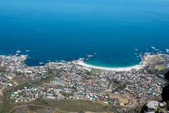 阵营海湾视图从狮子顶头山的 图库摄影