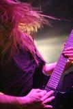 阶段的吉他弹奏者 免版税库存图片