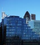 阻拦伦敦现代办公室 库存照片