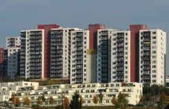 阻拦城市高层塔 免版税图库摄影