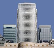 阻拦黄雀色港区伦敦办公室码头 库存图片