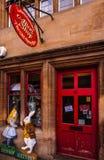 阿丽斯的冒险在妙境-阿丽斯的商店,牛津 库存图片