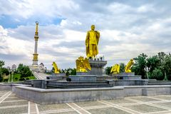 阿什伽巴特独立纪念碑04 库存图片