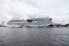 阿伊达3月在港口说谎在公开事件hanse风帆 免版税库存照片