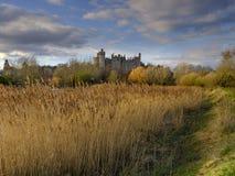 阿伦德尔城堡和镇河的Arun,西萨塞克斯郡,英国 库存照片