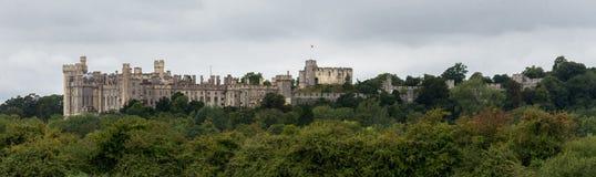 """阿伦德尔,英国,英国†""""2018年8月11日:从它的东部边采取的阿伦德尔城堡观点 图库摄影"""