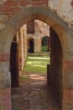 阿克屯拱道burnell城堡 免版税库存照片