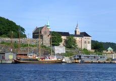 阿克什胡斯堡垒,在奥斯陆港口岸的中世纪纪念碑  库存图片
