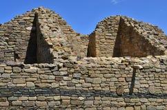 阿兹台克废墟的被放弃的无屋顶房间 免版税库存图片