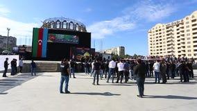 阿兹里人人群聚集在一次严肃游行参与纪念侯赛因殉教  股票录像