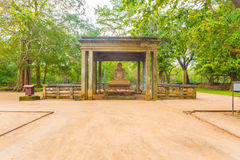 阿努拉德普勒Samadhi菩萨雕象小径H 免版税库存照片
