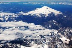 阿勒山山飞机视图  库存图片
